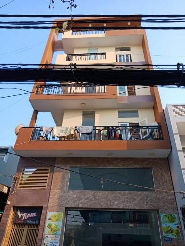 Mặt tiền nhà phố Bến Phú Định, Quận 8 Nhà phố có dãy trọ cho thuê, hẻm xe hơi, trung tâm quận 8.