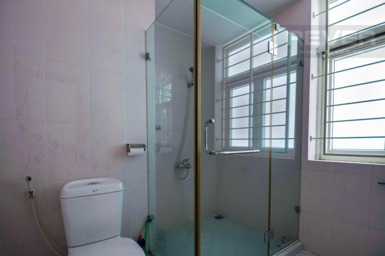 Toilet 2 Nhà phố 6 phòng ngủ đường số 33 Quận 2