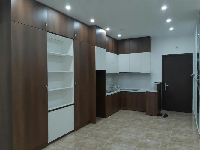 Bán căn hộ Sunrise City View, ban công thoáng mát, nội thất cơ bản.