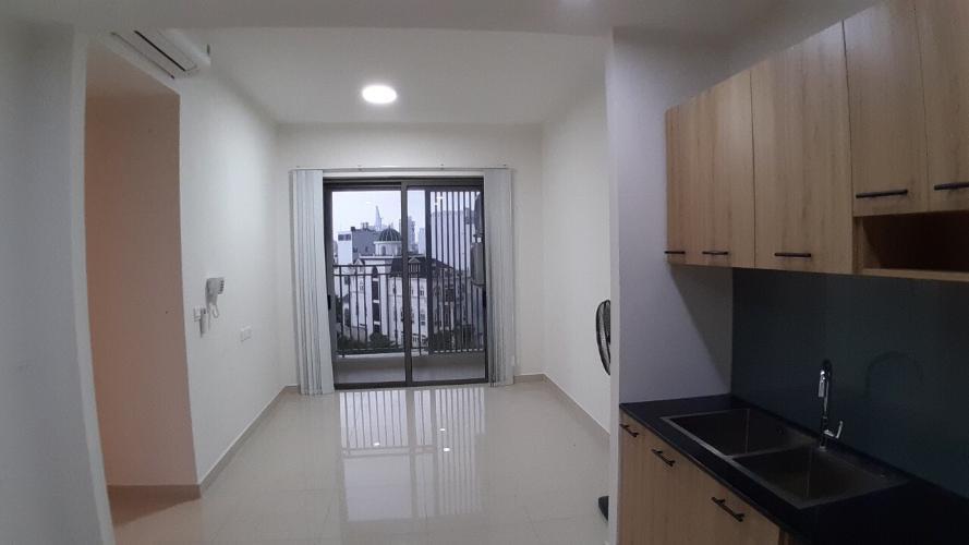 Bên trong căn hộ Sunrise CityView Căn hộ Sunrise Cityview tầng cao view thành phố, hướng Tây.