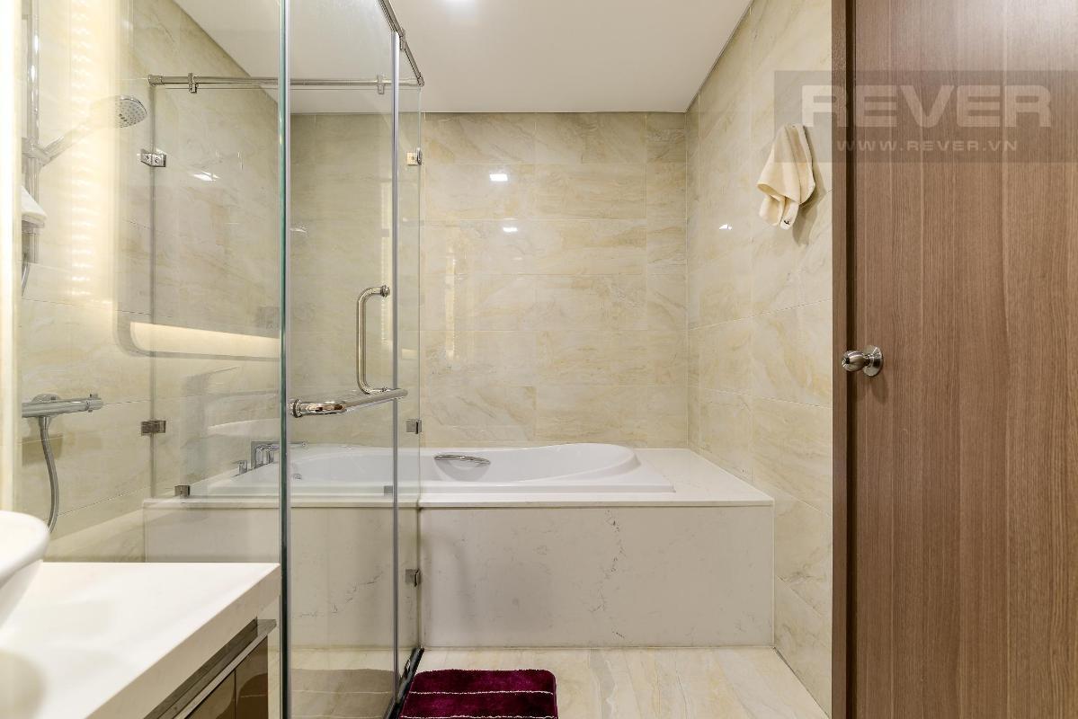 Phòng Tắm 1 Bán hoặc cho thuê căn hộ Vinhomes Central Park 4PN, tháp Landmark 81, diện tích 164m2, đầy đủ nội thất, căn góc view thoáng