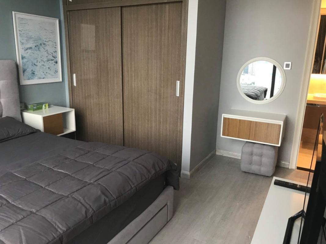 5 Cho thuê căn hộ Vinhomes Golden River 2PN, tầng cao, đầy đủ nội thất, view sông và Landmark 81