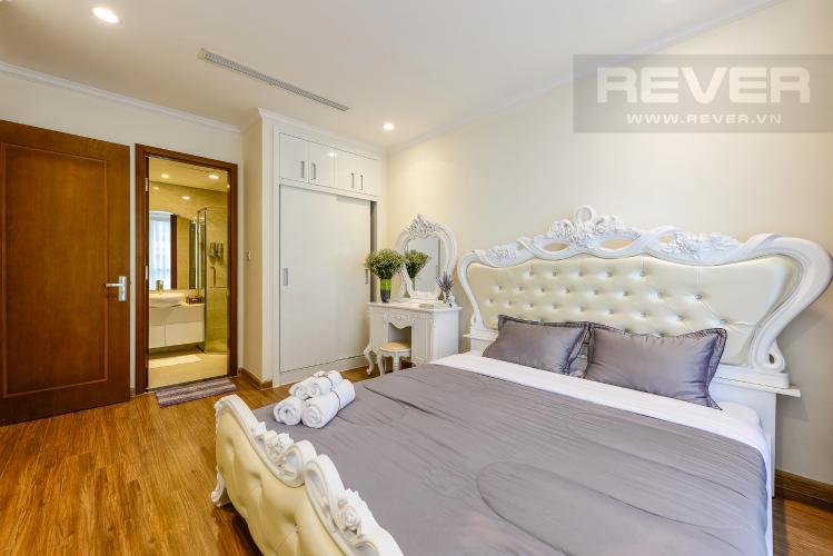 Phòng ngủ 1 Căn hộ Vinhomes Central Park tầng thấp Landmark 5, view sông