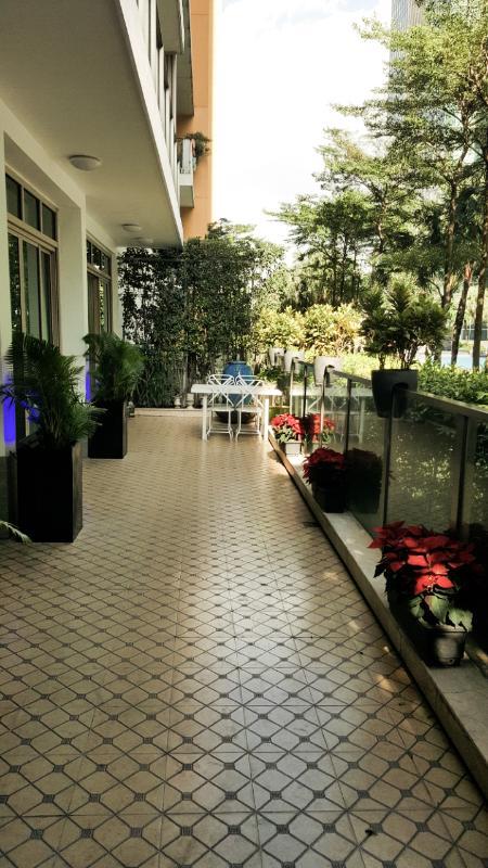 Sân vườn rộng Bán căn hộ sân vườn The Vista An Phú 3PN, tháp T4, diện tích 179m2, đầy đủ nội thất, hướng Tây Bắc