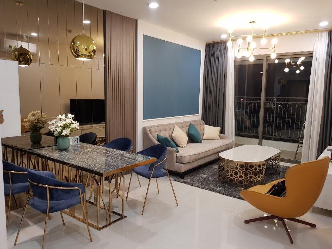 Phòng khách Saigon Royal, Quận 4 Căn hộ Saigon Royal tầng cao, đón view sông thoáng mát.
