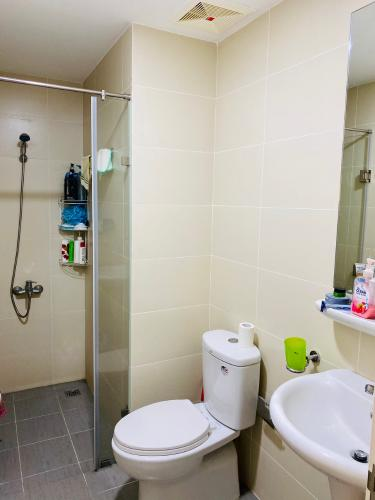 Nhà vệ sinh M-One Nam Sài Gòn, Quận 7 Căn hộ M-One Nam Sài Gòn tầng trung, view thành phố sầm uất.