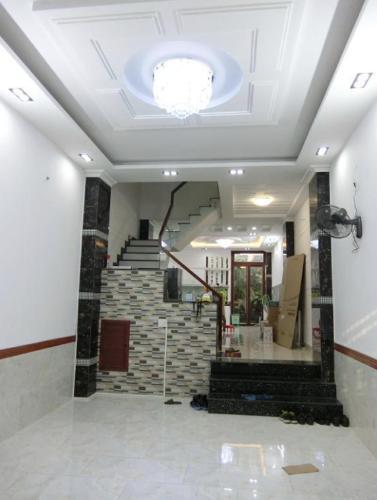 Bán nhà phố đường Phạm Hữu Lầu, phường Phú Mỹ, quận 7, diện tích đất 72m2