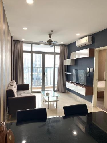 Phòng khách căn hộ Luxcity Căn hộ LuxCity view thành phố thoáng mát, đầy đủ nội thất.