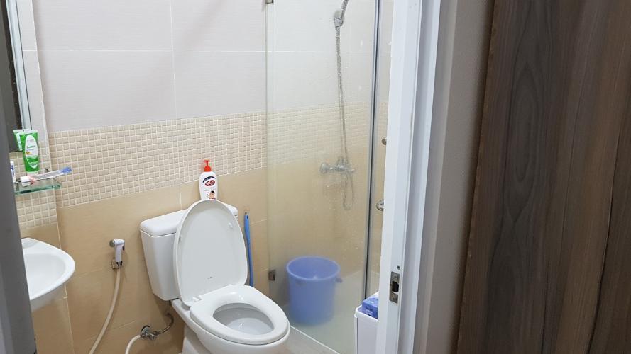 Phòng tắm Oriental Plaza, Tân Phú Căn hộ Oriental Plaza tầng cao, view thành phố sầm uất.