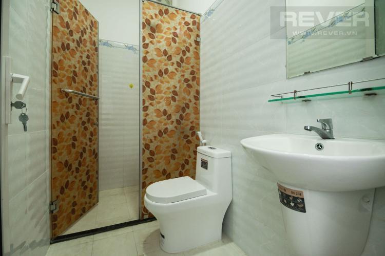 Toilet 2 Bán nhà phố 4 tầng đường Nguyễn Trung Nguyệt, Q2, diện tích đất 186m2, cách đường Nguyễn Duy Trinh 150m