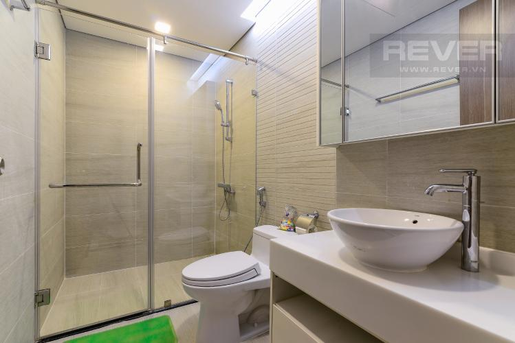 Phòng Tắm 1 Căn hộ Vinhomes Central Park tầng cao, 2PN, đầy đủ nội thất, view hồ bơi