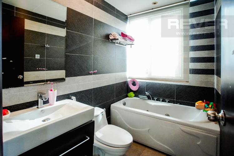 Phòng Tắm 1 Căn hộ Chung cư Phú Mỹ tầng cao, 3PN, nội thất đầy đủ, view hồ bơi