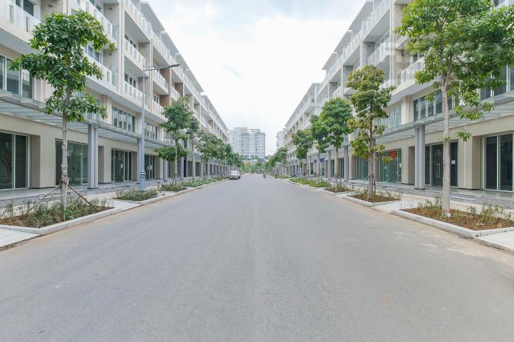 Đường mặt trước Cho thuê căn hộ shophouse Sarimi Sala Đại Quang Minh, diện tích 456m2, bàn giao hoàn thiện bên ngoài