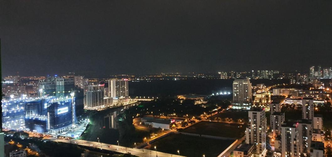 View căn hộ Riviera Point Căn hộ Riviera Point tầng cao 4 phòng ngủ, view thành phố sầm uất.