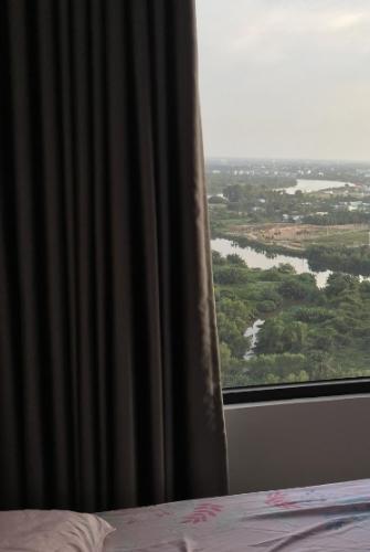 View căn hộ Vinhomes Grand Park Căn hộ Vinhome Grand Park hướng Tây Bắc view sông đón gió mát mẻ.