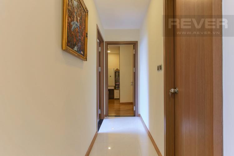 Hành Lang Căn hộ Vinhomes Central Park tầng thấp 2 phòng ngủ Park 6