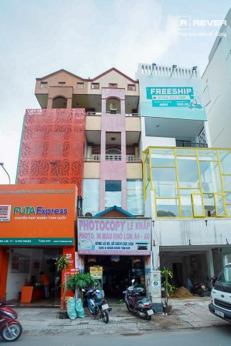 Mặt trước nhà phố Phú Nhuận Bán nhà mặt tiền đường Phan Đăng Lưu, Phú Nhuận, hướng Đông Bắc, cách công viên Phú Nhuận 70m