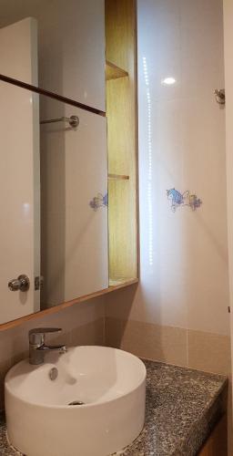 Phòng tắm căn hộ City Gate Căn hộ City Gate tầng cao nội thất đầy đủ, view nội khu hồ bơi.