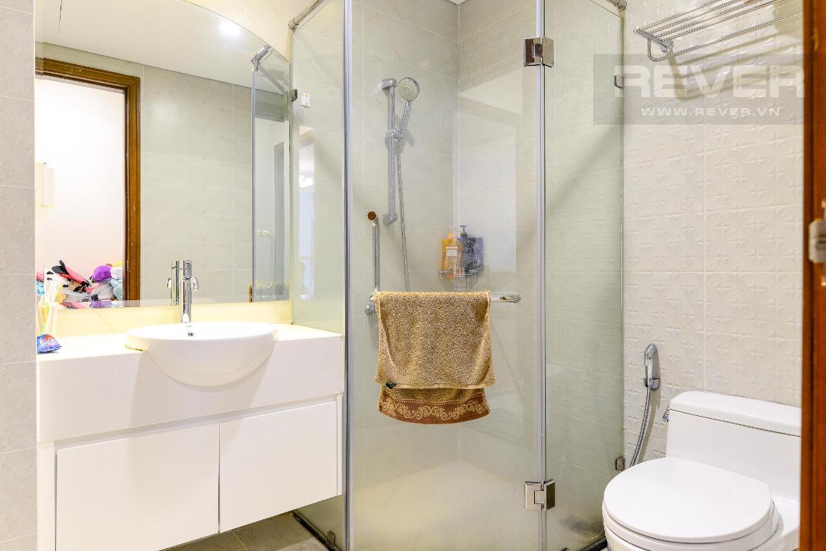 38f229c5e3aa05f45cbb Bán căn hộ Vinhomes Central Park 2PN, tầng trung, tháp Landmark 5, đầy đủ nội thất, hướng Đông Bắc