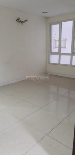 Căn hộ hướng Đông chung cư Carina Plaza tầng thấp, nội thất trống