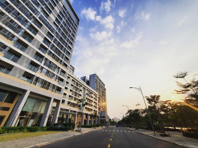 Bên ngoài khu căn hộ PHÚ MỸ HƯNG MIDTOWN Cho thuê căn hộ Phú Mỹ Hưng Midtown 3PN, diện tích 135m2, đầy đủ nội thất, view sông thoáng mát