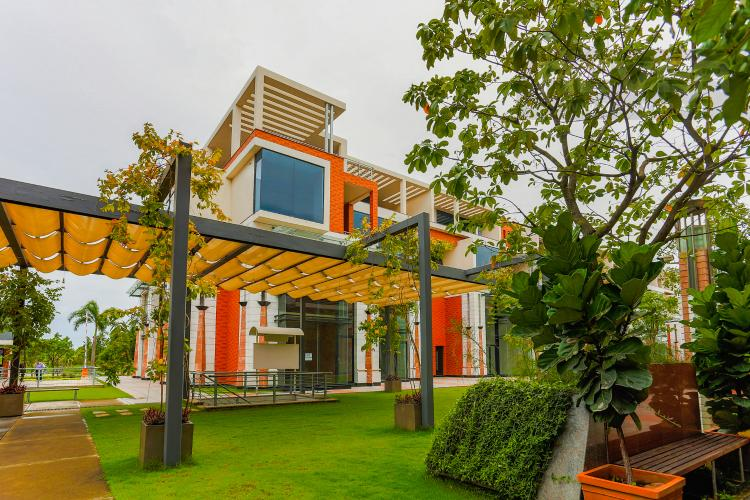 Mặt Tiền 3 Biệt thự 5 phòng ngủ đường Nguyễn Hữu Thọ khu Galleria Nhà Bè