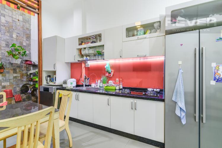 Bếp Nhà phố 1 trệt, 3 lầu, 4 phòng ngủ có sân thượng hẻm đường Nguyễn Thiện Thuật