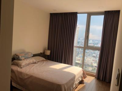 Bán căn hộ Vinhomes Central Park 2 phòng ngủ, thuộc tầng cao, tháp Landmark 81, diện tích 86m2