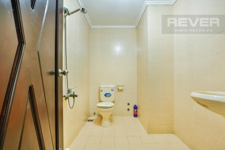 Phòng tắm 1 Nhà phố đường số 9 thiết kế đẹp, nội thất sang trọng
