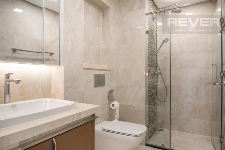 Toilet Officetel Vinhomes Golden River 1 phòng ngủ tầng cao Aqua 3 nhà trống