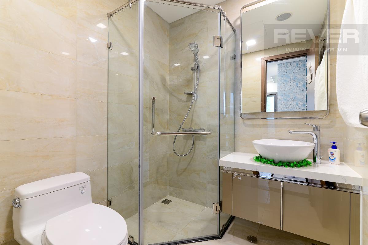 _DSC3992 Cho thuê căn hộ Vinhomes Central Park 2PN, tháp Landmark 81, nội thất cơ bản, là căn góc, view Xa lộ Hà Nội