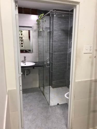 Phòng bếp tắm Bình Tân Nhà phố hướng Tây Bắc nội thất cơ bản, khu dân cư hiện hữu.