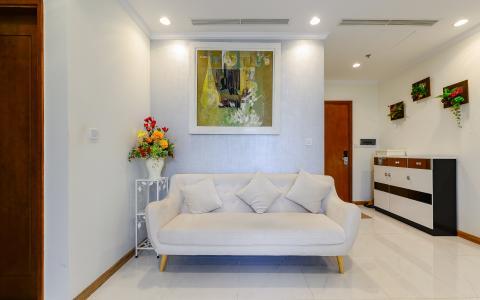 Căn hộ OfficeTel Vinhomes Central Park trung tầng Central 3 đầy đủ nội thất, tiện nghi