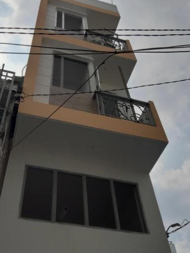 Bán nhà phố hẻm đường Nguyễn Tất Thành, phường 13, quận 4, diện tích đất 26.2m2, diện tích sử dụng 83.6m2.