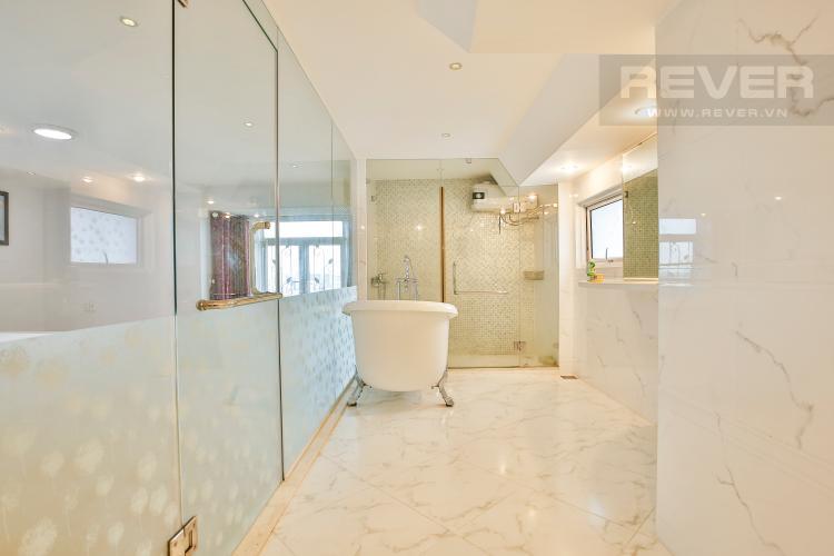 Toilet 3 Lofthouse Phú Hoàng Anh thiết kế đẹp, đầy đủ tiện nghi