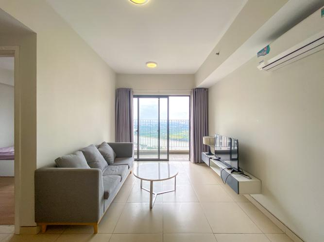 Phòng khách Masteri Thảo Điền Quận 2 Căn hộ Masteri Thảo Điền tầng cao, đón view sông và thành phố.