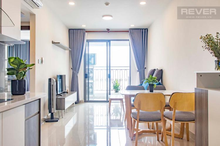 Phòng Khách Bán hoặc cho thuê căn hộ Saigon Royal 2PN, tháp A, đầy đủ nội thất, view hồ bơi