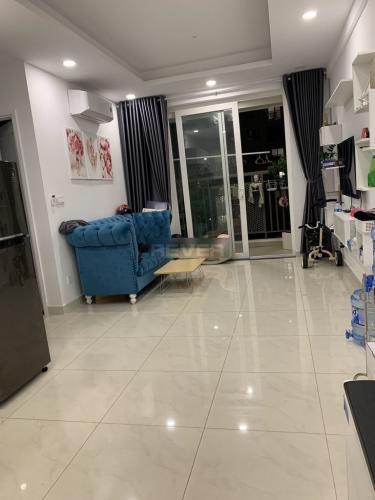 Căn hộ tầng trung chung cư Saigon Mia hướng Nam, nội thất đầy đủ.