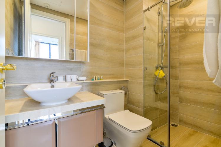 Phòng Tắm 1 Bán căn hộ Vinhomes Golden River 2PN, tầng trung, tháp The Aqua 4, đầy đủ nội thất, view sông Sài Gòn