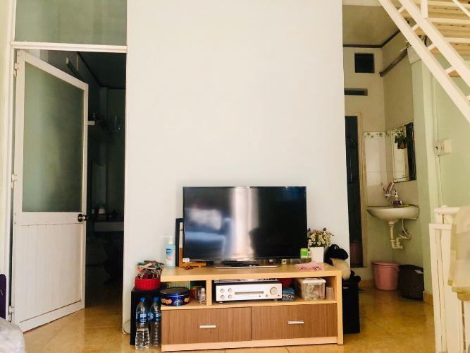 Phòng khách nhà phố Gò Vấp Bán nhà 3 tầng hẻm Nguyên Hồng, Gò Vấp, nội thất cơ bản, cách MT Phan Văn Trị khoảng 150m