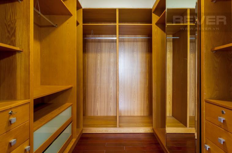 Tủ quần áo Villa Compound Riviera Quận 2 thiết kế sang trọng, đầy đủ tiện nghi
