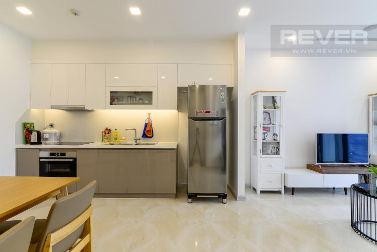 Phòng Khách & Bếp Cho thuê căn hộ Vinhomes Golden River 1PN, tầng cao, tháp The Aqua 1, đầy đủ nội thất, view sông Sài Gòn thoáng mát