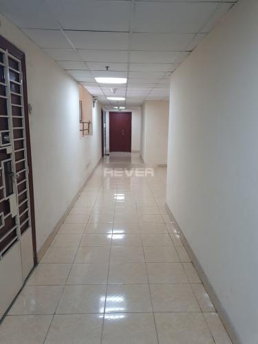 Căn hộ chung cư Nhất Lan tầng trung, cửa chính hướng Đông.