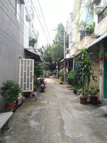 Hẻm trước nhà  phố Nhà Bè Nhà hẻm 4m huyện Nhà Bè hướng Nam, diện tích sử dụng 151.6m2.