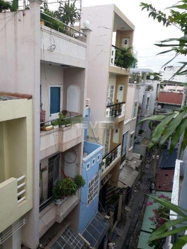 View nhà phố Cách Mạng Tháng 8, Quận 3 Nhà phố hẻm trung tâm quận 3, hướng Tây Nam, sân thượng rộng.