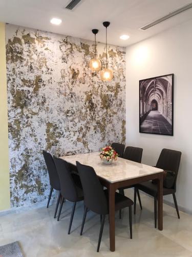 Bán căn hộ Vinhomes Golden River 2PN, tầng thấp, diện tích 63m2, đầy đủ nội thất