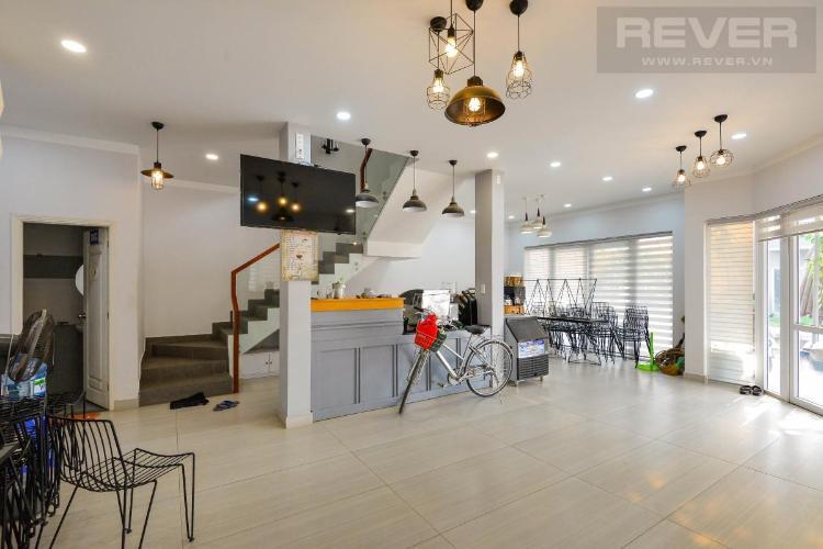 Bán căn góc shophouse 3 tầng Park Riverside, đầy đủ nội thất, giáp sông Rạch Chiếc thoáng mát