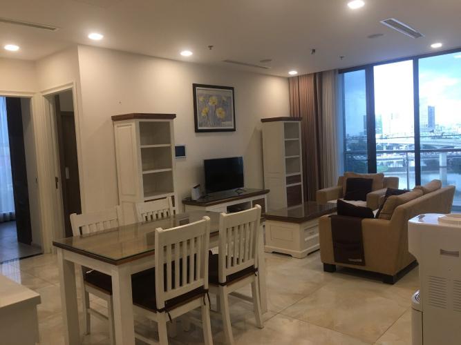 Không gian căn hộ vinhomes Golden River , Quận 1 Căn hộ Vinhomes Golden River tầng 19 view thoáng mát, đầy đủ nội thất.