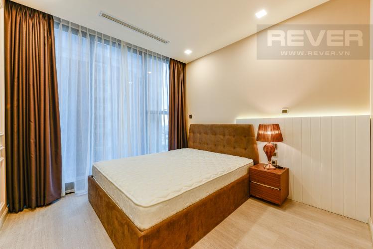 Phòng ngủ 2 Căn hộ Vinhomes Golden River 2 phòng ngủ tầng cao A1 đầy đủ nội thất