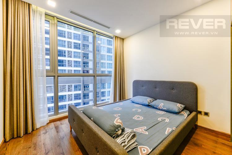 Phòng ngủ 1 Căn hộ Vinhomes Central Park tầng trung, tháp Park 5, 2 phòng ngủ, view sông